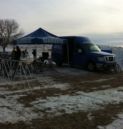 The neutral work tent at the course