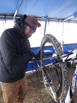 Max Thomas of Shimano Multi-Service with the DAG-2