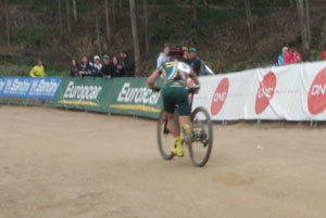 A broken chain on a South African rider, just meters after the start.