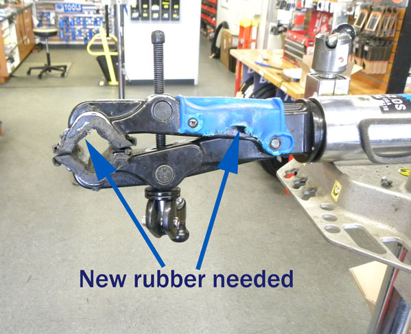 Arrows pointing to where new rubber is needed on the The 100-3D clamp