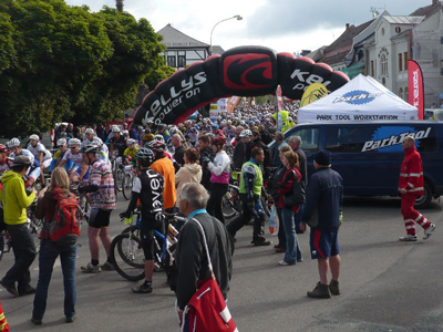 Some of riders get lined to start
