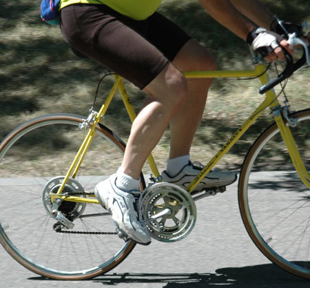 A dropped heel during the power stroke. This cyclist may need a higher saddle.