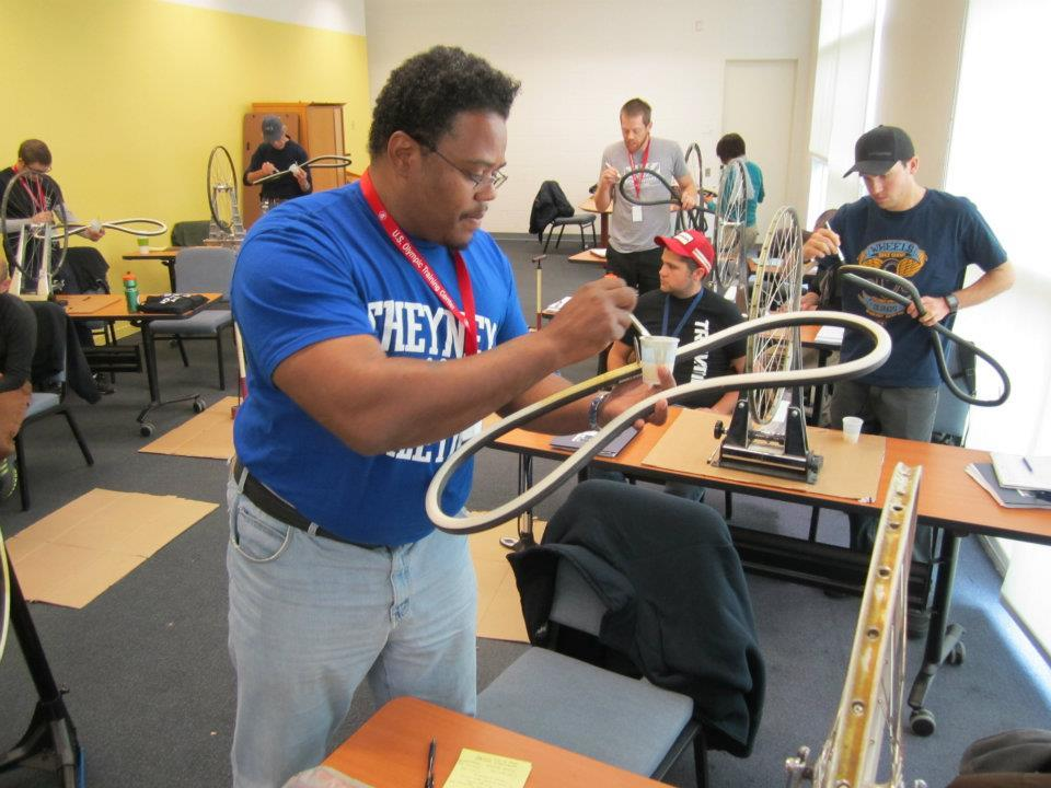 Hands-on tubular tire glue lab