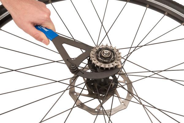 The Park Tool BDT-1 Belt Drive Sprocket Remover removing belt drive sprocket, click to enlarge