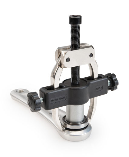 CBP-8 Campagnolo® Crank and Bearing Tool Set pulling non drive side bearing of Ultra-Torque™, click to enlarge