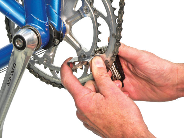 The Park Tool MTB-7 Rescue Tool tightening chainring bolt, click to enlarge