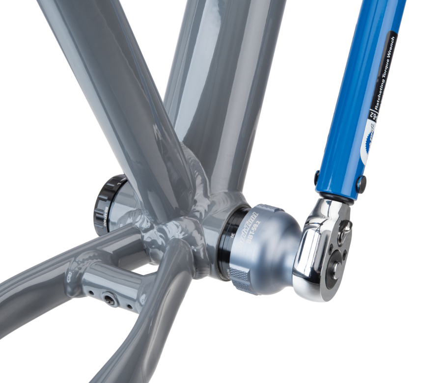 Park Tool BBT-59.2 Bottom Bracket Tool driven by a torque wrench to install Shimano® XT® bottom bracket, enlarged