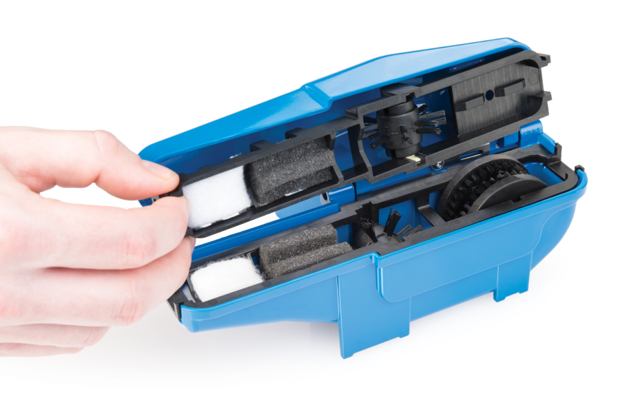 The Park Tool CM-25 Professional Chain Scrubber opened up, enlarged