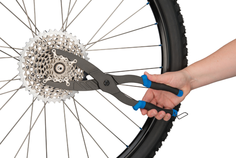 The Park Tool CP-1 Cassette Pliers engaged on SRAM® XD™ cassette, enlarged