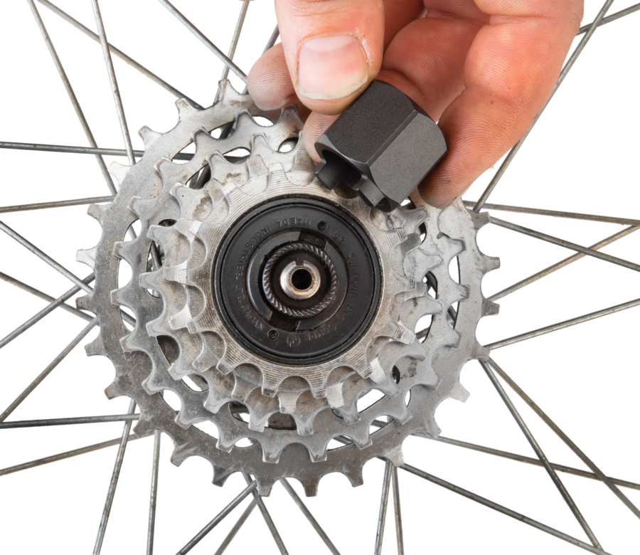 Park Tool FR-2 Freewheel Remover being inserted into Suntour® two-notch freewheel, enlarged