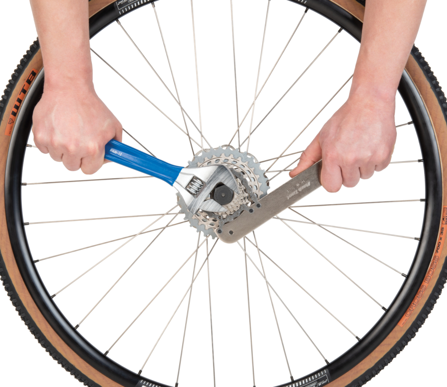 Park Tool HCW-16.3 Chain Whip / Pedal Wrench cassette loosening lockring with crescent wrench, enlarged