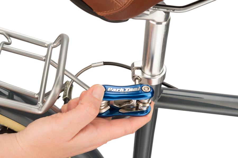 The Park Tool MT-30, Multi-Tool adjusting saddle height, enlarged