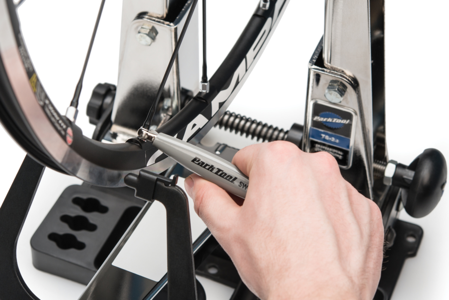 The Park Tool SW-11 Double-Ended Spoke Wrench — Campagnolo® engaged on 5.5mm Campagnolo® nipple, enlarged