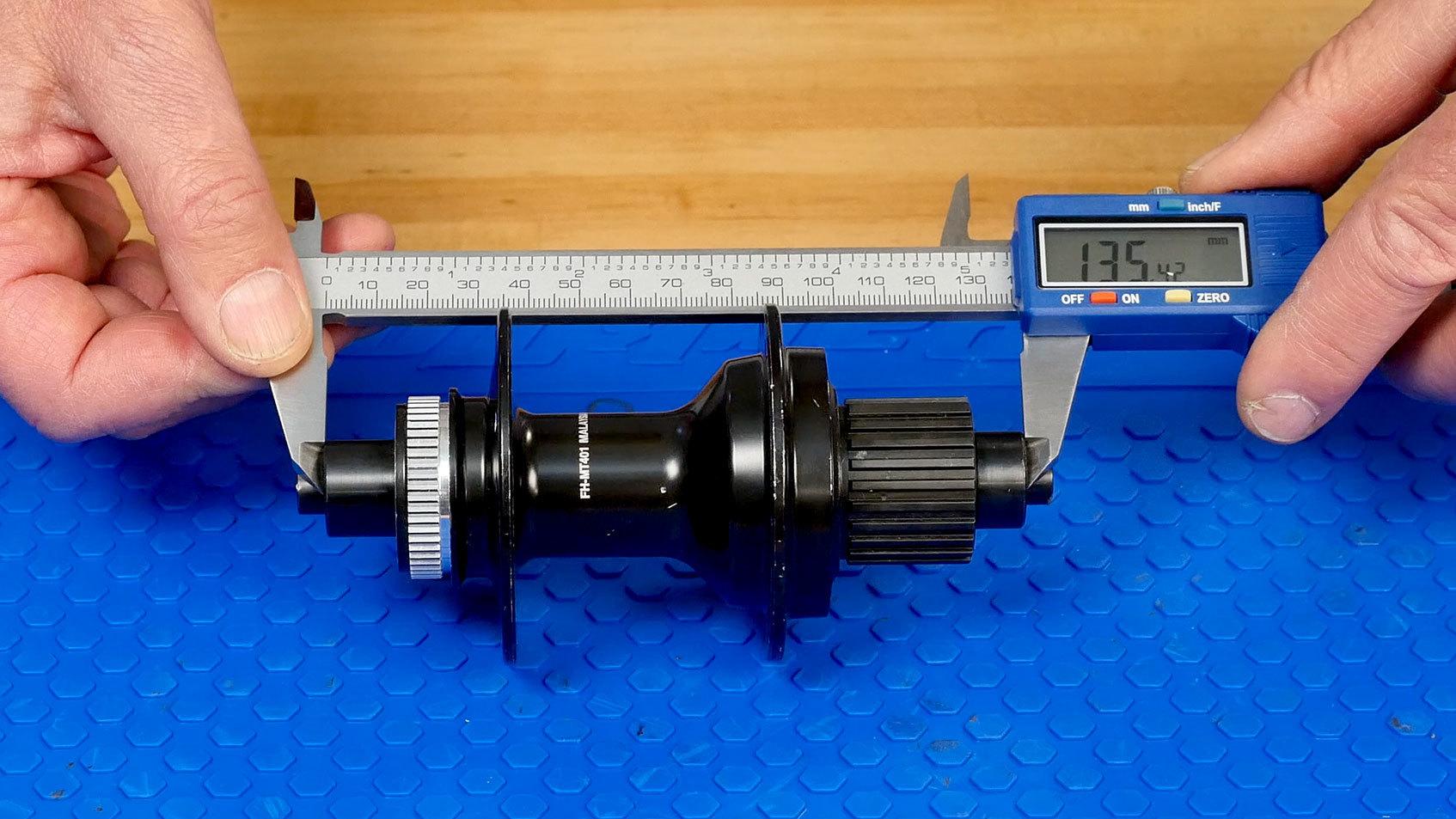 Measuring hub width with a digital caliper