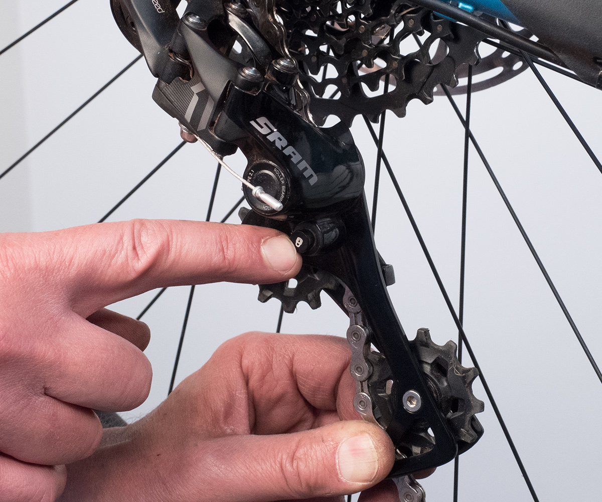 Wheel Removal 5 SRAM Clutch