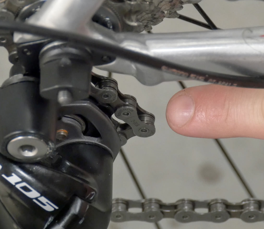 Obvious tight link at derailleur pulley