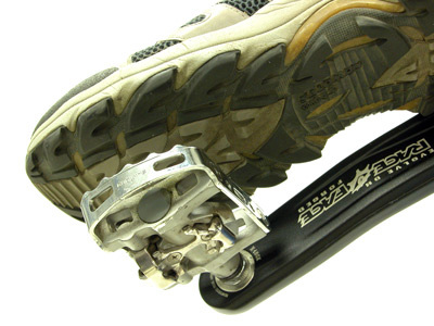 Figure 5. A recreational walking shoe on a double-sided pedal