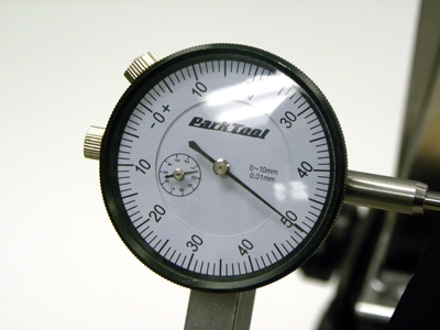 "Figure 13. Balanced face of dial indicator. Face numbers proceed both clockwise and counter-clockwise of ""0""."